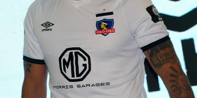 Adidas y Puma encabezan a las ocho marcas que se pelean por la camiseta que vestirá a Colo Colo | Dale Albo - Colo Colo